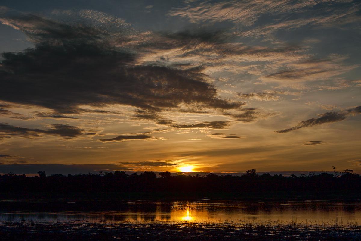 восход в Амазонии